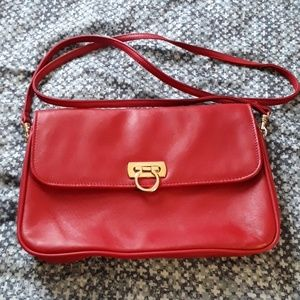 JENNIFER  MOORE RED LEATHER PURSE AND HANDBAG